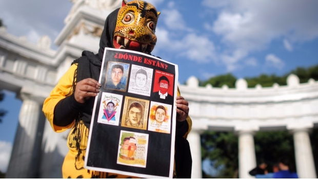 1901_apoyo-a-ayotzinapa_620x350